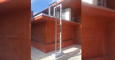 Stainless steel roof ladder at KIA